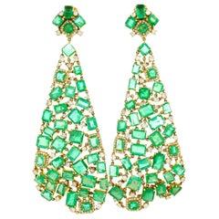 20 Carat Diamond Emerald Chandelier Earrings 18 Karat Yellow Gold
