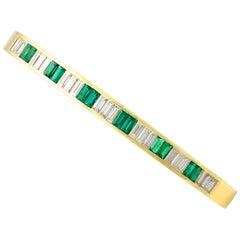 2000s Italian 1.35 Carat Emerald 2.31 Carat Diamond Gold Bangle