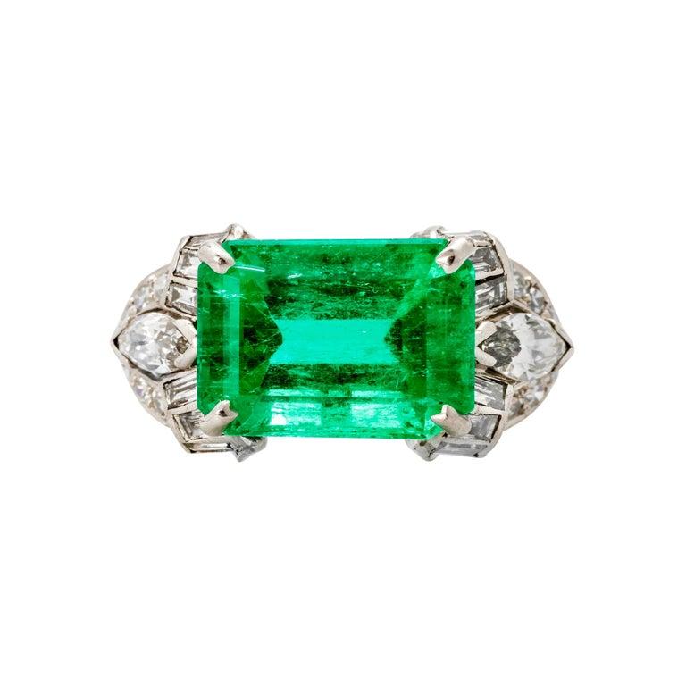 Art Deco Emerald and Diamond Platinum Ring For Sale