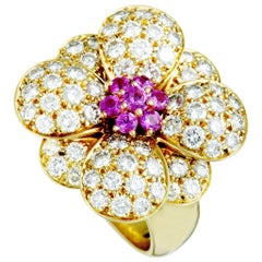 Van Cleef & Arpels Diamond and Sapphire Yellow Gold Flower Band Ring