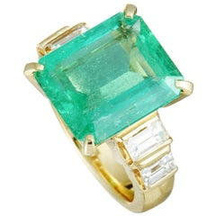 Diamond and Large Emerald Yellow Gold Ring