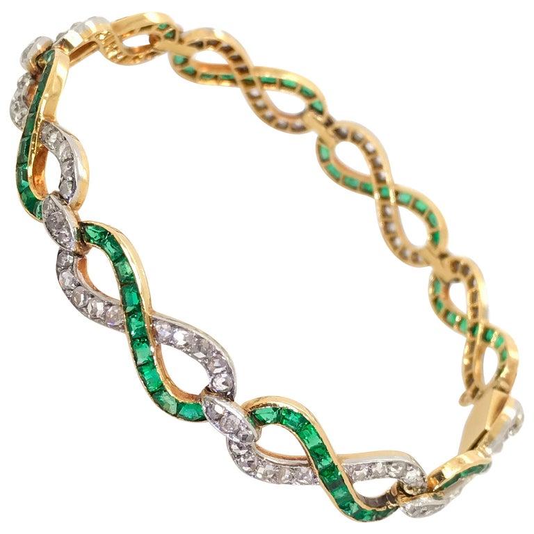 French 18 Karat Yellow Gold Emerald & Diamond Link Bracelet For Sale