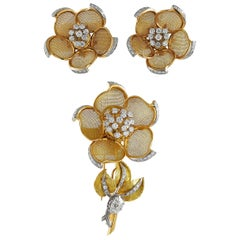 18 Karat Yellow Gold Diamond Mesh Flower Brooch, Earrings