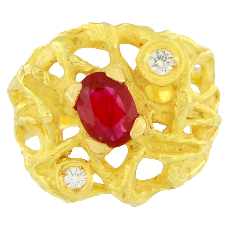 Sacchi Oval Ruby and Diamonds Gemstone 18 Karat Yellow Gold Magma Cocktail Ring
