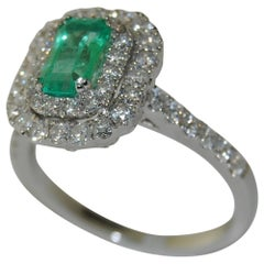 Emerald and Diamonds Ladies Ring, 18 Karat White Gold