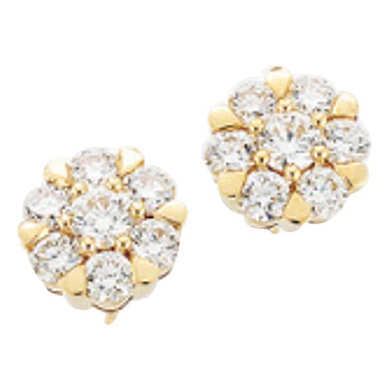 18 Carat Yellow Gold Brilliant Cut Diamond Cluster Stud Earrings 2.00 Carat For Sale