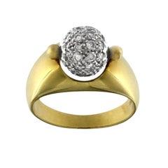 Ring Yellow 18 Karat Gold and Diamonds