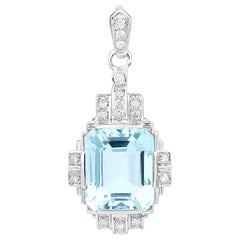 6.41 Carat Aquamarine and 0.20 Carats Diamond 14 Karat Gold Pendant Necklace
