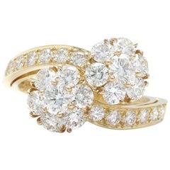 Van Cleef & Arpels 18 Karat Yellow Gold Diamond Leurette Flower Ring