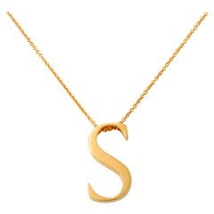 Giulians 18 karat Yellow Gold S Letter Pendant