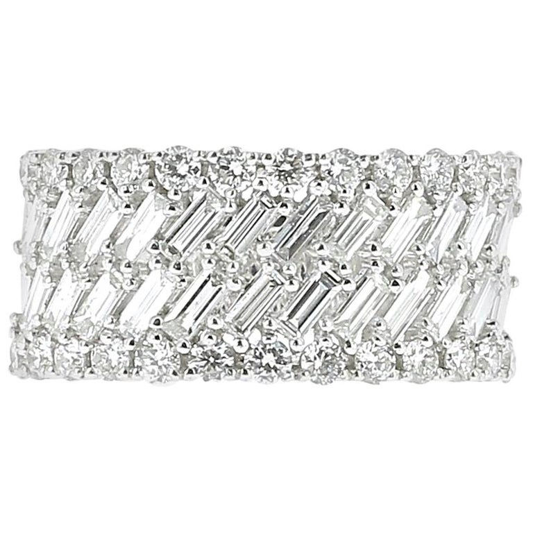 1.57 Carat White Gold Round and Baguette Diamond Ring Weighing Bridal Rings For Sale