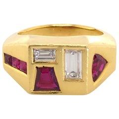 18 Karat Yellow Gold Ruby & Diamond Geometric Retro Ring