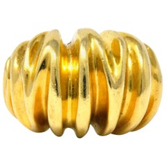 Tiffany & Co. Vintage 1970's 18 Karat Gold Bombè Fashion Ring