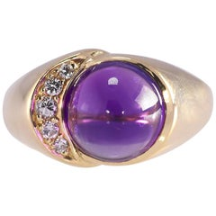 18 Karat Yellow Gold Cabochon Amethyst and .08 Carat TW Diamond Ring 5.9 Grams