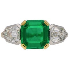 Art Deco Colombian Emerald and Diamond Ring, circa 1930