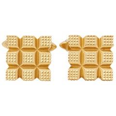 Kutchinsky 18 Karat Yellow Gold Vintage Square Grooved Cufflinks