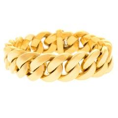 Elegant Gold Link Bracelet