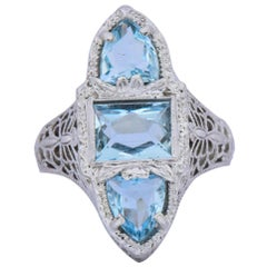Edwardian 1.75 Carat Aquamarine Dragonfly 14 Karat White Gold Cocktail Ring