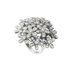Diamond 18 Karat White Gold Socrate Ring by Van Cleef & Arpels