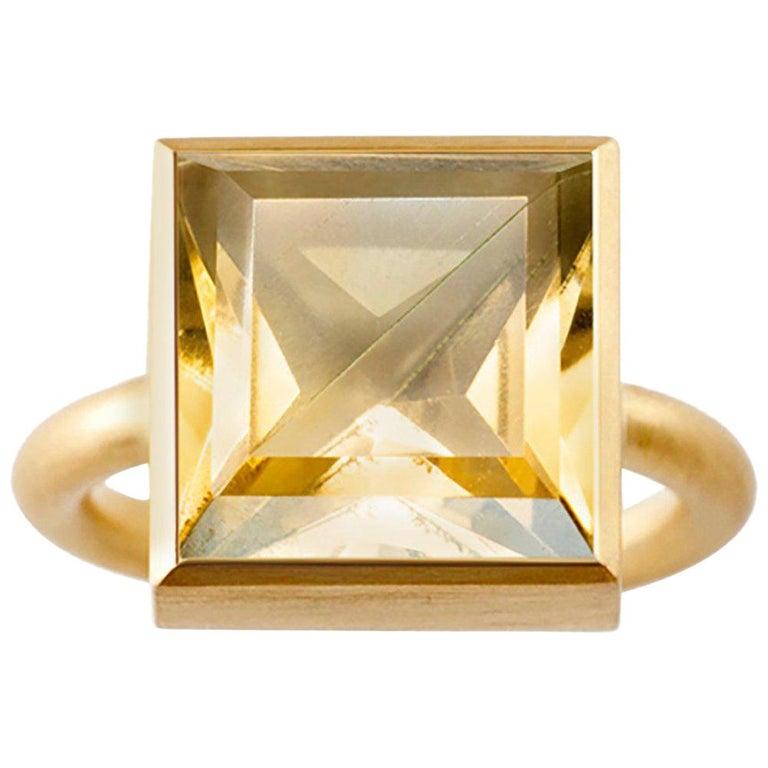 18 Karat Gold Cognac Quartz Smoky Quartz Two-Stone Modern Cocktail Ring #14-20 For Sale
