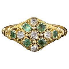 Antique Georgian Emerald Diamond Cluster Ring 18 Carat Gold, circa 1830