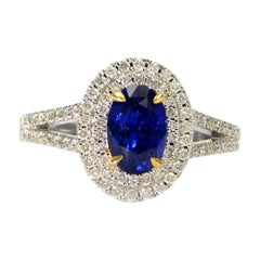 Solid 18 Karat White Gold Genuine Sapphire and Natural Diamond Ring 5.7 Grams