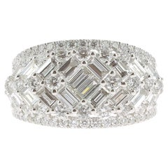 2.08 Carat GVS Round Baguette Diamond Bombé Ring 18 Karat White Gold