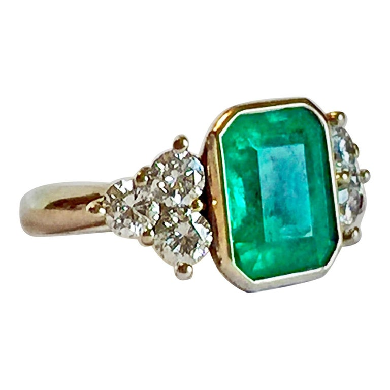 5.7 Carat Colombian Emerald Diamond Engagement Ring 18 Karat For Sale