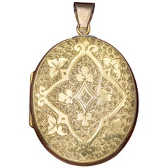 Antique Victorian Engraved 18 Carat Gold, circa 1880 Locket