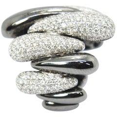 Pradera Cocktail Ring with 18 Karat Black Gold and 3,35 Carat of Diamonds