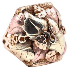 Black Hills Gold 10 Karat Tri-Tone Medium Grape Leaf Ring