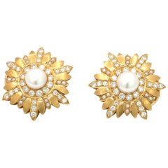 18 Karat Yellow Gold Earrings with Pearls and Diamonds