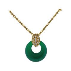 Vintage Van Cleef & Arpels Diamond Chrysoprase Coral Necklace