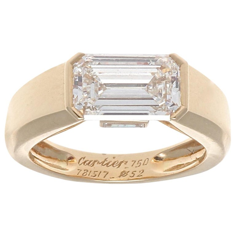 Cartier GIA 2.47 Carat Emerald Cut Diamond Gold Ring For Sale