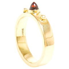 Dubini Punta Di Diamante Cabochon Garnet 18 Karat Yellow Gold Ring
