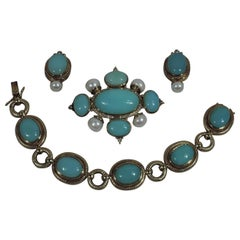 Lovely Brooch, Earrings and Bracelet Chrysoprase, Pearl and 18 Karat Gold Suite