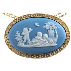 Wedgewood Cameo 1850 Putti Psyche Butterfly Dog Garden Gold Pendant Necklace