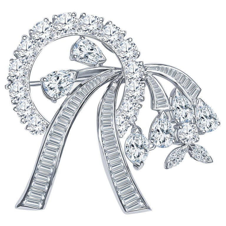 8.00Ctw Mix Shaped Diamond Convertible Brooch & Pendant in Ribbon Floral Design For Sale