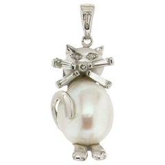 Pearl Gold 18 Karat Diamonds Cat Pendant Necklace