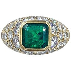 Van Cleef & Arpels Columbian Emerald and Diamond Ring