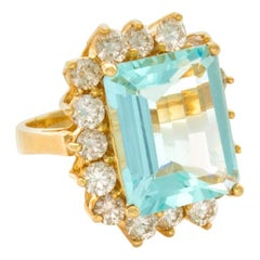 12.57 Total Carat Weight Natural Aquamarine and Diamond Ring 14 Karat Gold