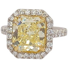 Platinum Ring 4.05 Carat GIA Internally Flawless Radiant Natural Fancy Yellow