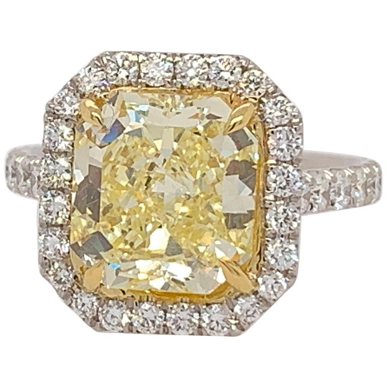Platinum Ring 4.05 Carat GIA Internally Flawless Radiant Natural Fancy Yellow For Sale