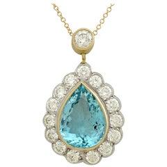 1990s 6.71 carat Aquamarine and 3.16 carat Diamond Yellow Gold Necklace