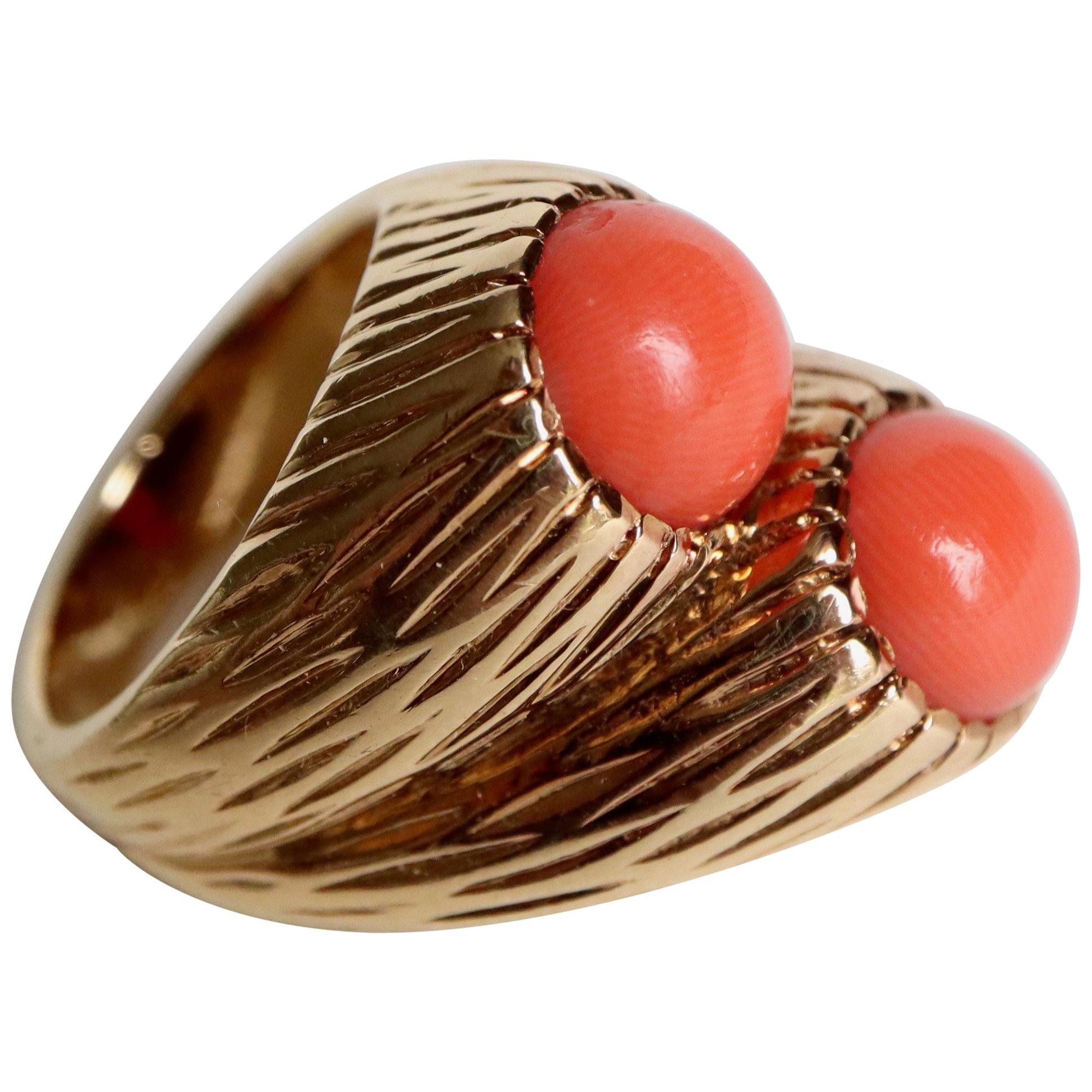 Cartier 18 Karat Yellow Gold Engraved and Coral Ring