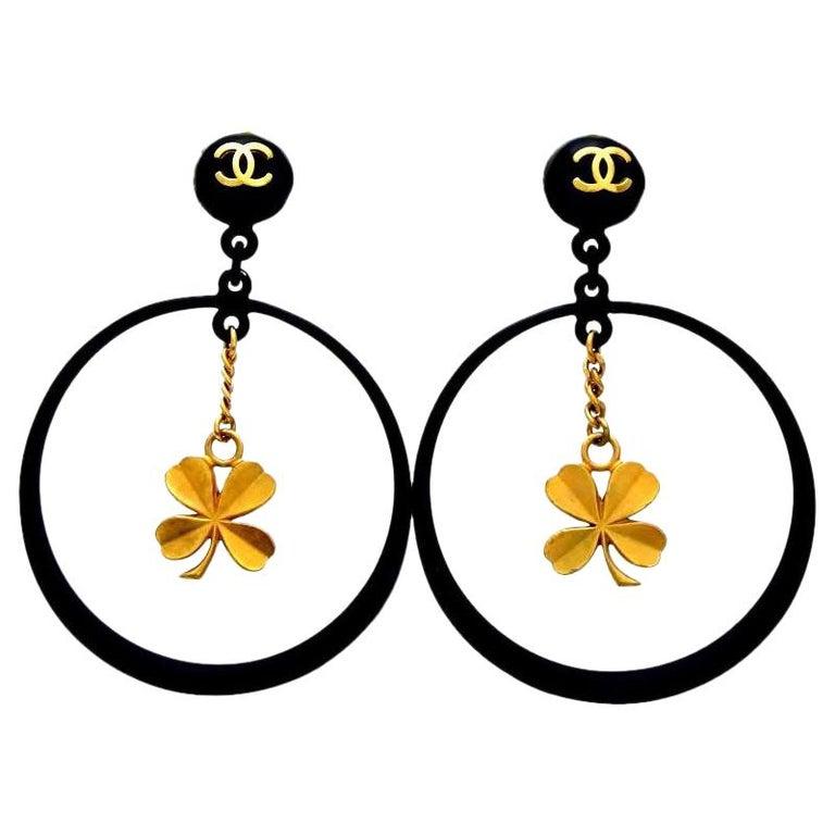 Chanel Black Rare Vintage Clover Dangle Hoop Clip-On Earrings For Sale