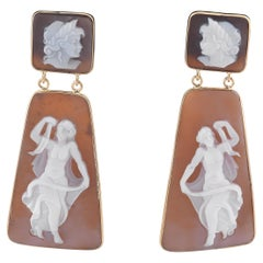Shell Cameo Pendent Earring