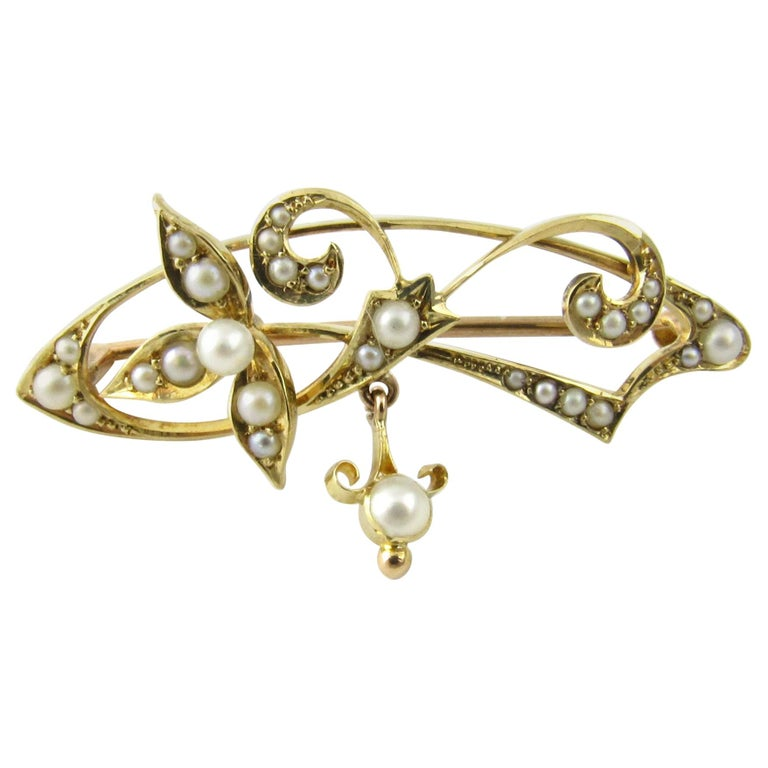 15 Karat Yellow Gold and Seed Pearl Brooch For Sale