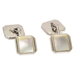Art Deco Gentlemans 9 Carat White Gold and Mother of Pearl Cuff and Stud Set