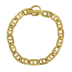 French 1960s Retro 18 Karat Yellow Gold Chiselled Navy Mesh Chain Bracelet